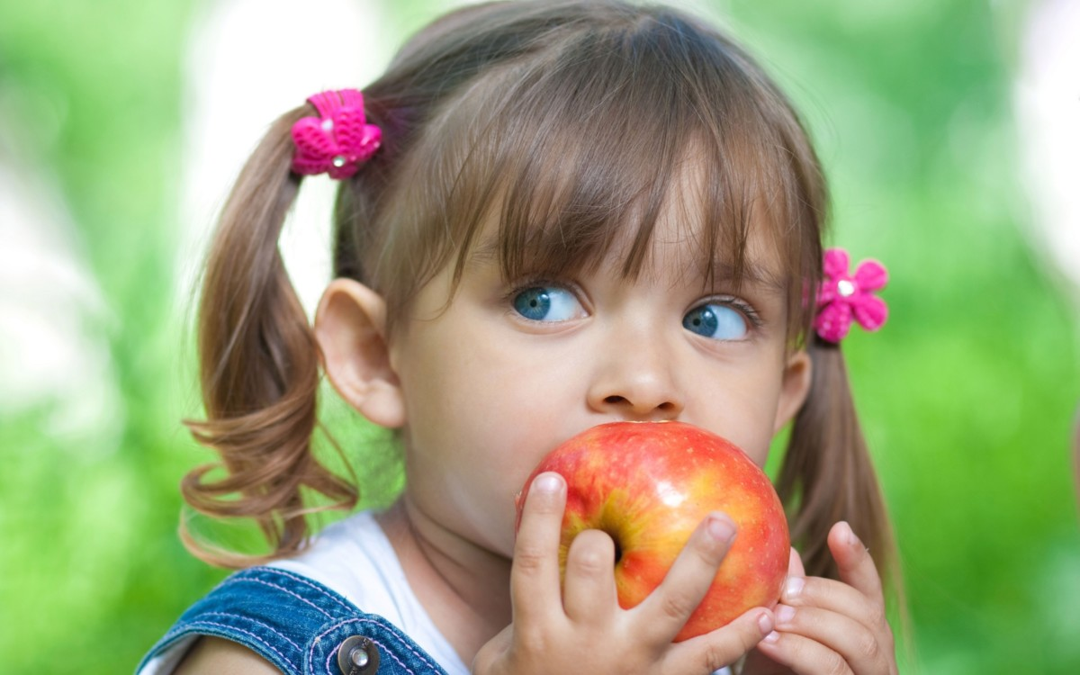 Ordinary apples are nutritious and healthy, there are a lot of vitamins and minerals in the skin and pulp