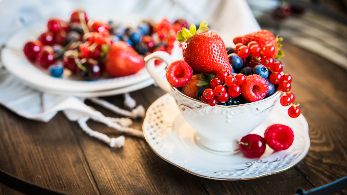 Berries with the apple have a healing effect on the body