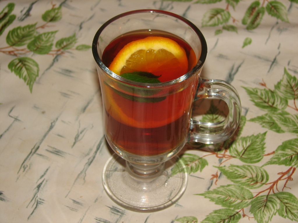 A drink with bergamot and citrus fruits that refreshes well